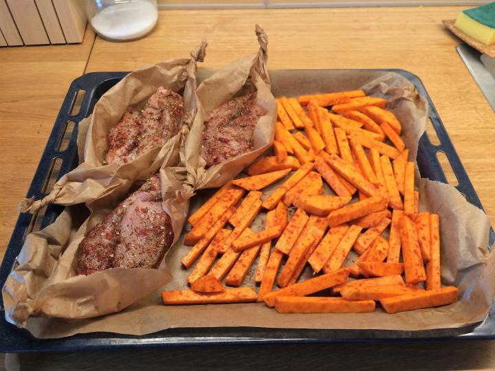 Jednogarnkowy Obiad Pieczona Piers Z Batatami